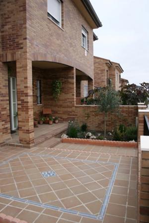 Фасадная плитка Tira Natural интерьер 6х25